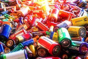 Perspėja: nešiojamosios baterijos ir akumuliatoriai – pavojingos atliekos