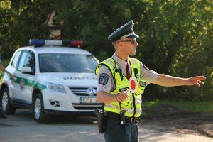 Per reidą policijai įkliuvo 13-metis traktorininkas