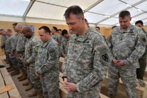 Afganistane suimti trys įtariamieji, siejami su NATO karių nužudymu