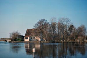 Su pavasariu – ir potvynių nuostoliai: ką daryti norint apsaugoti turtą?