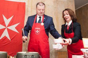 """Vyriausybėje – 12-oji """"Maltiečių sriubos"""" akcija"""