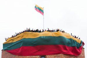 Laukiant Vasario 16-osios – vėliavų pardavimo rekordas