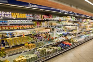 Maisto produktų bei paslaugų kainos toliau kils