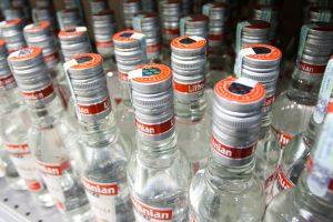 Tyrimas: šešėlis stipraus alkoholio rinkoje didėja