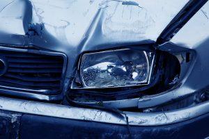 Savaitgalis keliuose: žuvo du vairuotojai, daugiau nei 20 žmonių sužeista