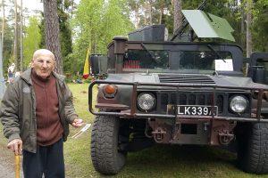 Erškėčiuotoji šimtamečio partizano gyvenimo pusė