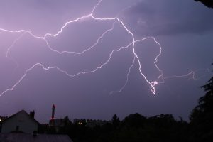 Po audrų elektros neturi 3,9 tūkst. ESO klientų