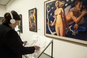 Aklame pasimatyme – lytėjimu atpažįstami nacionalinės dailės kūriniai
