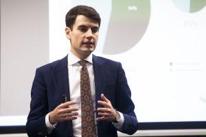 Ekonomistas R. Grajauskas keičia veiklos kryptį