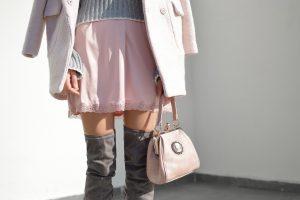 Didžiojoje Britanijoje uždrausta fotografuoti po moterų sijonais