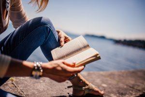 Keturios knygos vasaros popietėms (apžvalgos)