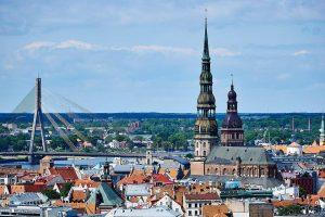 Kuo Lietuvos verslininkus taip traukia Latvija?