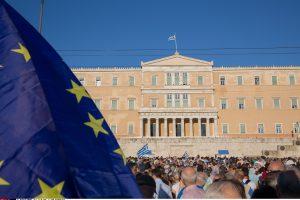 Euro zonos finansų ministrai susitarė Graikijai skirti 7,5 mlrd. eurų