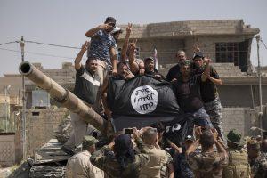 """Pentagonas pristatė D. Trumpui naują kovos su """"Islamo valstybe"""" planą"""