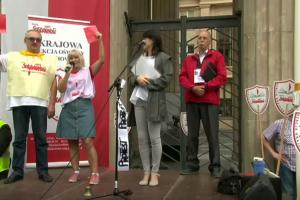 Lenkiją krečia pedagogų protestai