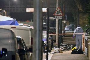 Kraupus nusikaltimas Londone: po eismo įvykio nužudytas nepilnametis vairuotojas