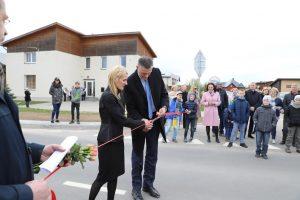 Savivaldybei išasfaltavus Varnės gatvę, Pilaitės bendruomenė surengė šventę