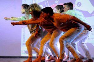 Kaune – nuotaikingas prancūziškų moksleivių teatrų šėlsmas