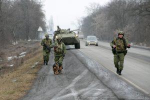 Rusijoje per susišaudymą žuvo du kovotojai ir du pareigūnai