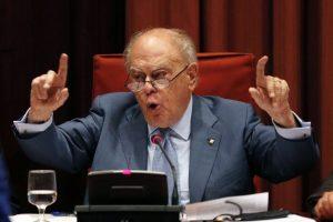 Ispanijos teisėjas paskelbė buvusį Katalonijos lyderį įtariamuoju korupcijos byloje