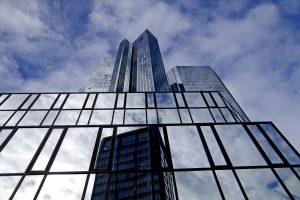"""""""Deutsche Bank"""" ateina į Lietuvą"""