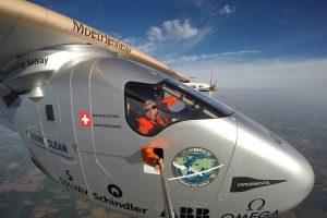 "Orlaivis ""Solar Impulse 2"" nutūpė Niujorko oro uoste"