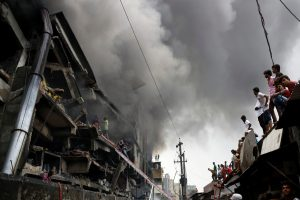 Gaisro Bangladešo fabrike aukų padaugėjo iki 31
