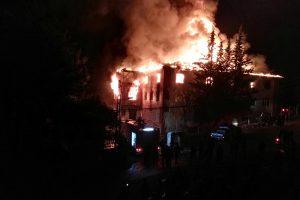 Turkijoje dėl gaisro moksleivių bendrabutyje sulaikyti aštuoni asmenys