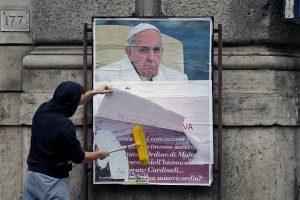 Popiežių kritikuojantys dvasininkai sulaukė kardinolų atsako