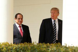 D. Trumpas Baltuosiuose rūmuose priėmė Egipto prezidentą