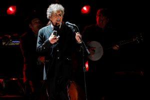B. Dylanas pagaliau perskaitė tradicinę Nobelio premijos laureato paskaitą