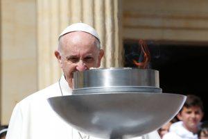 Popiežius ragina kolumbiečius siekti taikos be keršto