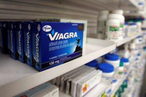 Didžioji Britanija taps pirmąja šalimi, kurioje viagros bus galima įsigyti be recepto