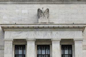 FED paskelbė sukūręs naują bankų saugumo ir patikimumo vertinimo sistemą