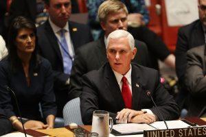 JAV viceprezidentas: Rusija tebekelia grėsmę kaimyninių šalių suverenitetui