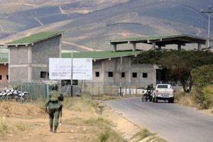 Venesueloje per gaujų susirėmimą kalėjime žuvo 12 žmonių