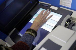 Estijoje per rinkimus spalį leista rengti elektroninį balsavimą