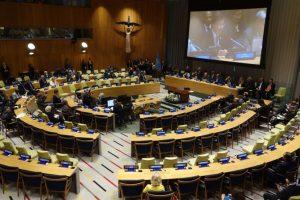 51 šalis pasirašo JT branduolinių ginklų uždraudimo sutartį