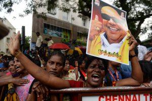 Tūkstančiai indų gedi politikos veterano M. Karunanidhi