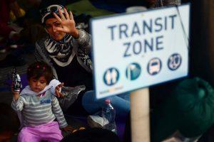 Vengrijos migrantų sulaikymo centre 94 migrantai pradėjo bado streiką