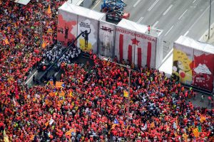 Policija: į eitynes Barselonoje susirinko apie milijoną katalonų