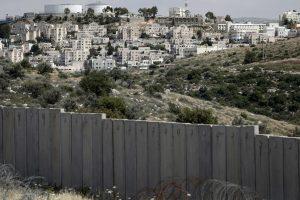 Izraelis pritarė planams pastatyti daugiau nei 200 namų naujakuriams Vakarų Krante