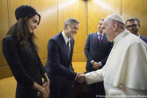 Popiežius apdovanojo Holivudo žvaigždes per iškilmingą renginį Vatikane
