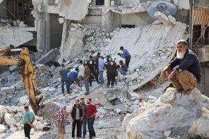 Sirijos Idlibo provincijoje per bombardavimus žuvo 16 žmonių