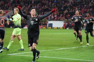"""Bundeslygoje – """"Bayern"""" pergalė ir R. Lewandowskio dublis"""