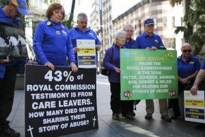 Australija pradės mokėti kompensacijas lytinio išnaudojimo aukoms
