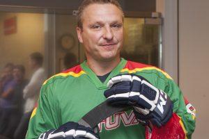 D. Kasparaitis įsteigė savo vardo ledo ritulio mokyklą