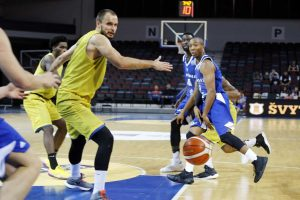 """""""Neptūno"""" krepšininkai 47 taškų skirtumu sutriuškino Latvijos čempionus"""