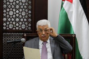 """Palestiniečių vienybės vyriausybė atsistatydino, o """"Hamas"""" tam nepritaria"""