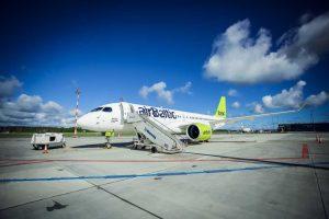 """Paleisti visi devyni """"airBaltic"""" vasaros sezono skrydžiai"""